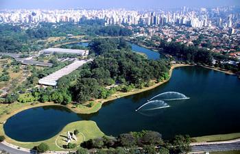 イビラプエーラ公園3.jpg