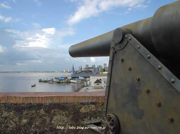 プレゼピオ要塞の大砲.jpg