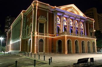ベレーンの市立劇場.jpg