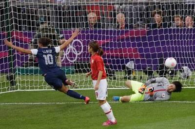 Soccer_Wo.jpg
